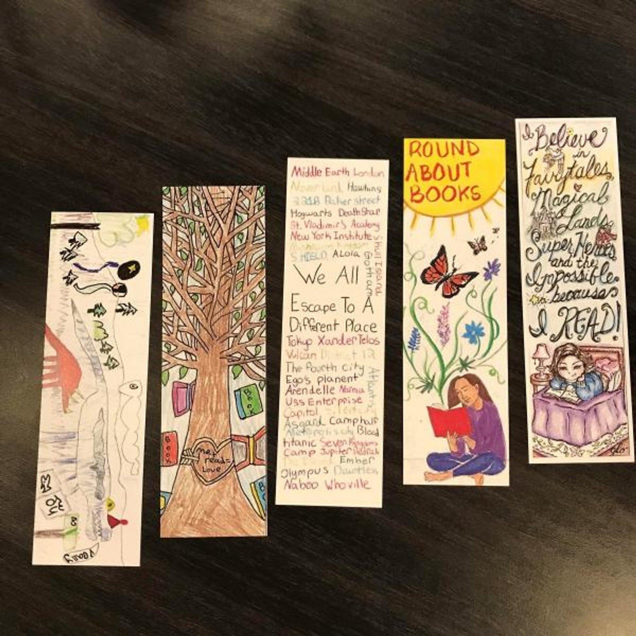 Combo 2 Cuốn Sách Hay Nhất Của Nguyễn Nhật Ánh: Ngày Xưa Có Một Chuyện Tình + Cô Gái Đến Từ Hôm Qua (Tặng Kèm Bookmark Happy Life)
