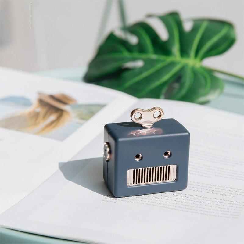 Loa Di Động Bluetooth Mini Thông Minh Robot 307 ( giao màu ngẫu nhiên )