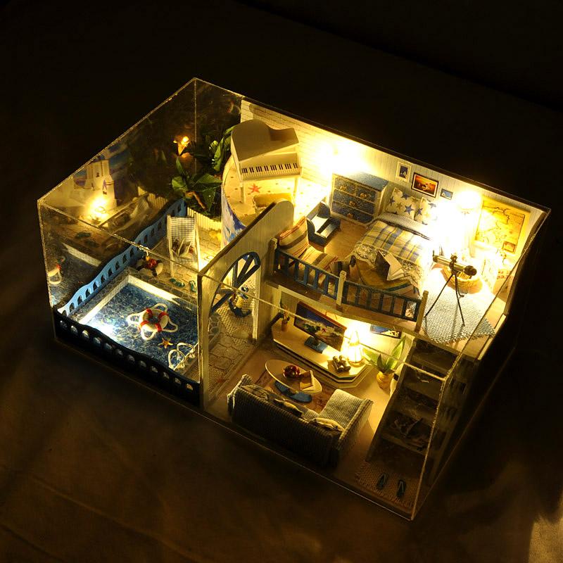 Mô hình nhà DIY Doll House Mediterranean Village Biệt thự Địa Trung Hải Kèm Mica Chống bụi