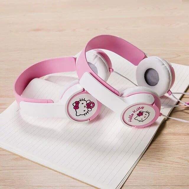 Tai nghe chụp tai AY-9 hình KITTY cực cute , âm thanh to và chắc, cách âm tốt , dây liền, có 4 màu.