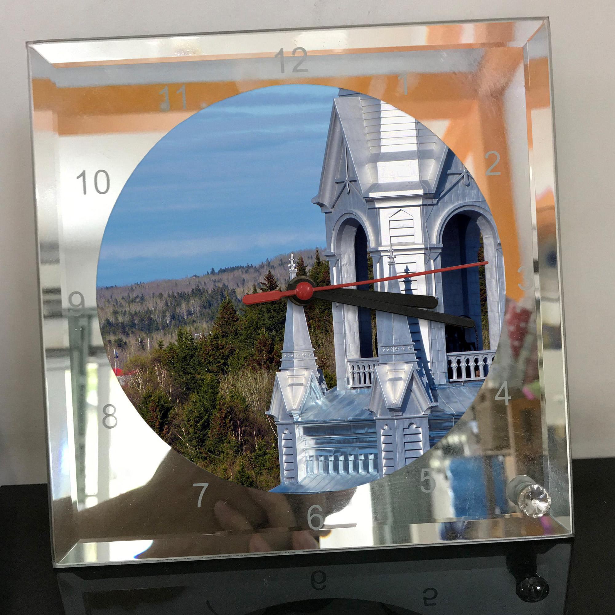 Đồng hồ thủy tinh vuông 20x20 in hình Church - nhà thờ (115) . Đồng hồ thủy tinh để bàn trang trí đẹp chủ đề tôn giáo