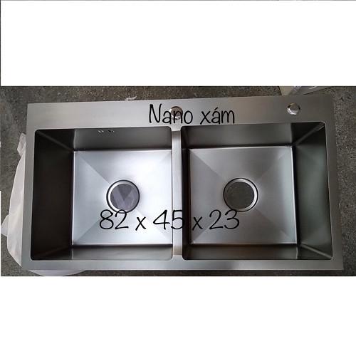 Chậu rửa bát inox 304 phủ nano 82x45x23 2 hố cân kèm rổ đa năng, bình đựng xà phòng, bộ xả chống hôi