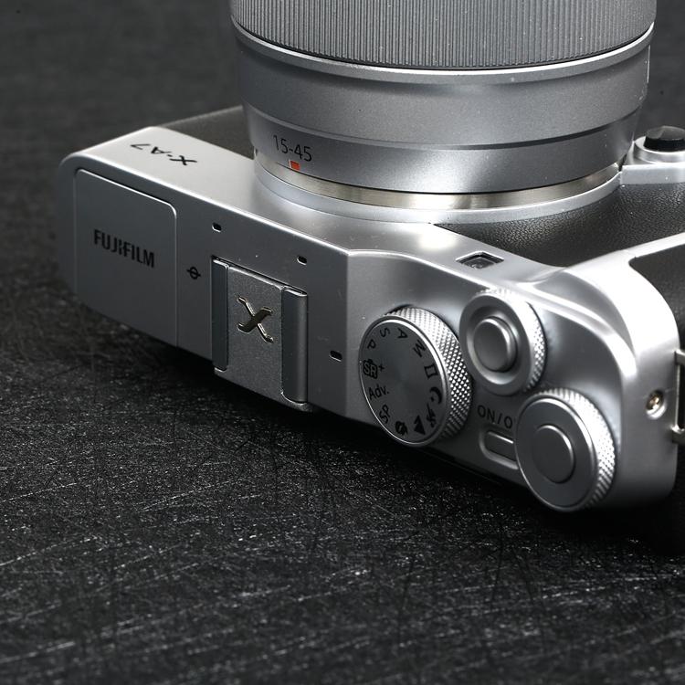 Hotshoe che chân flash dành cho máy ảnh Fujifilm Kim Loại khắc chữ X