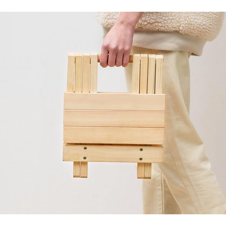 Ghế gỗ mini Gấp Xếp gọn dùng cho dã ngoại,du lịch,câu cá,hoạt động ngoài trời,Kích thước 25 x 28 x 23,Màu Gỗ thông sáng đẹp,Tiện Dụng với mọi vị trí kể cả không gian hẹp,Có thể bỏ gọn trong Cốp ô tô - Ghế Gỗ Xếp Đa năng