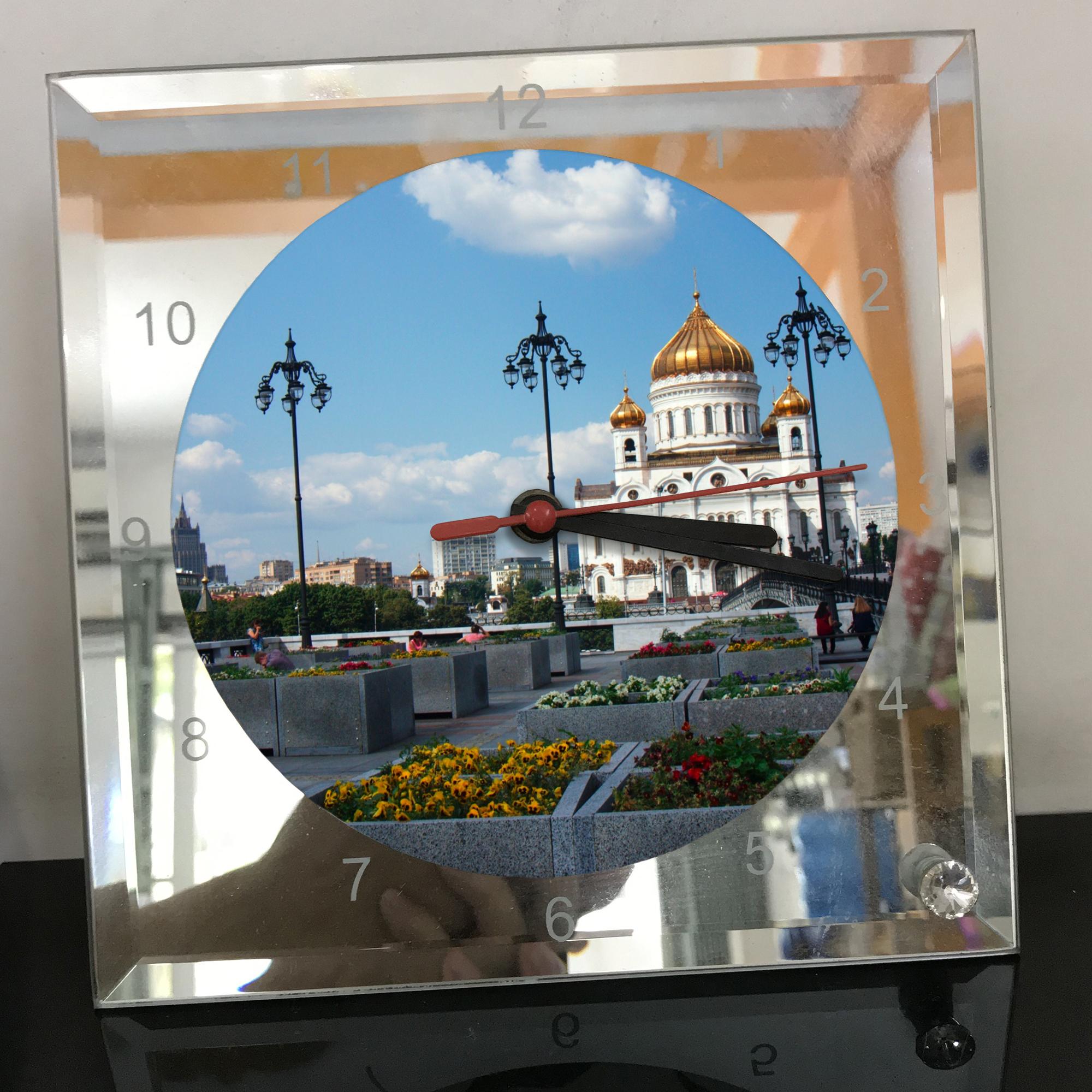 Đồng hồ thủy tinh vuông 20x20 in hình Cathedral Of Christ the saviour (38) . Đồng hồ thủy tinh để bàn trang trí đẹp chủ đề tôn giáo