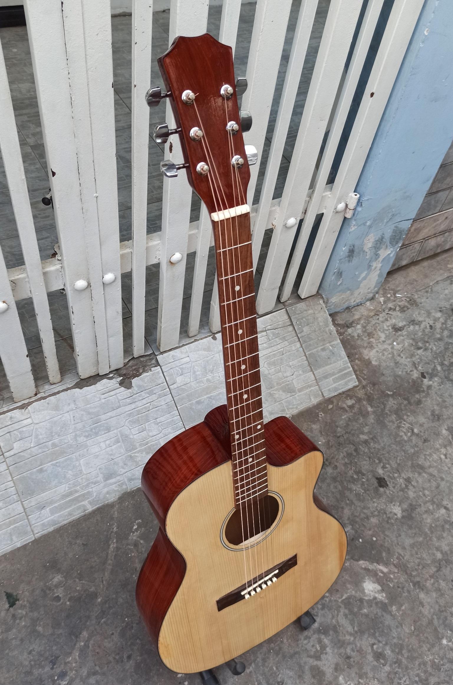 Đàn Guitar M300D dây sắt bấm nhẹ tay