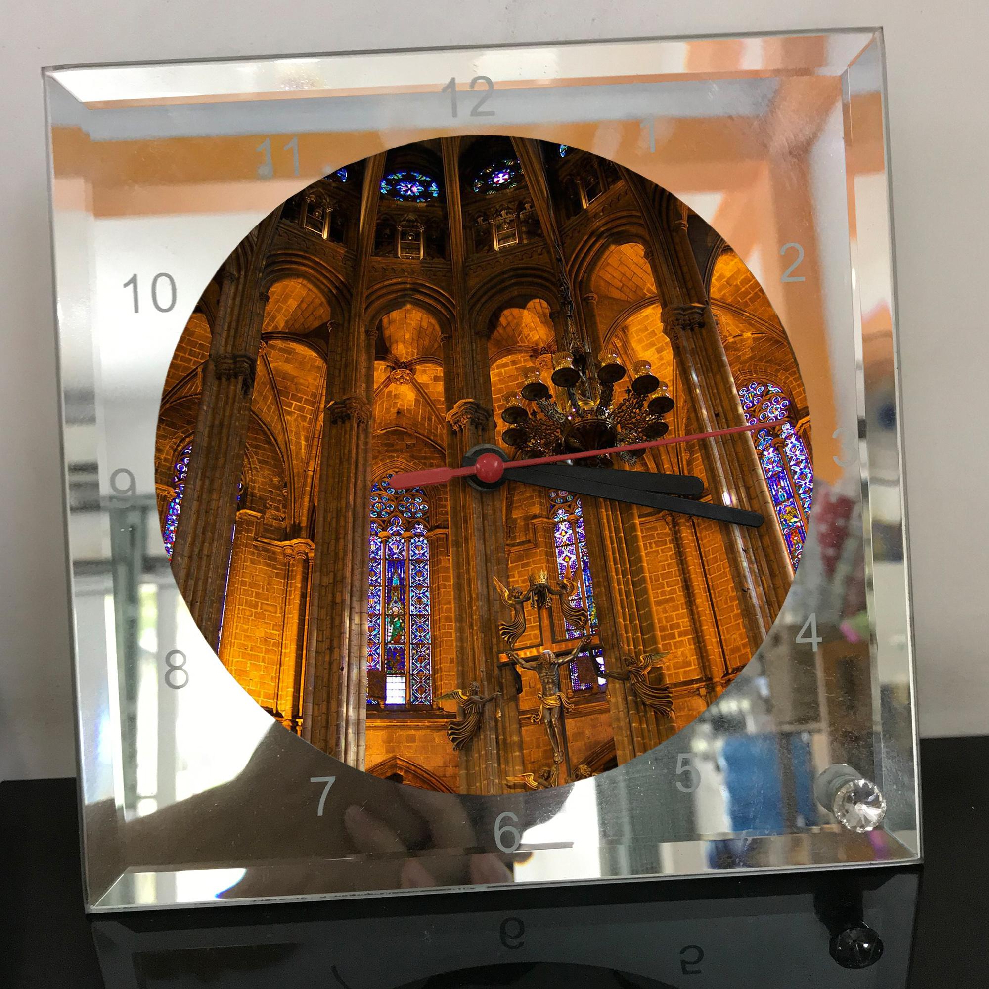 Đồng hồ thủy tinh vuông 20x20 in hình Cathedral - nhà thờ chính tòa (29) . Đồng hồ thủy tinh để bàn trang trí đẹp chủ đề tôn giáo