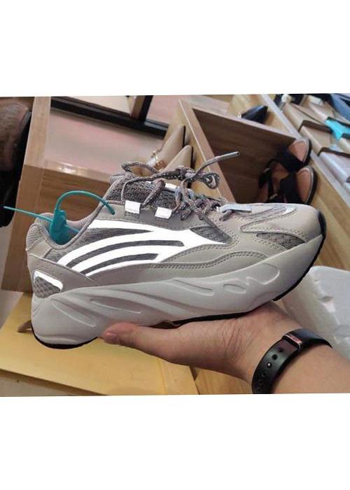 Sneaker nam năng động