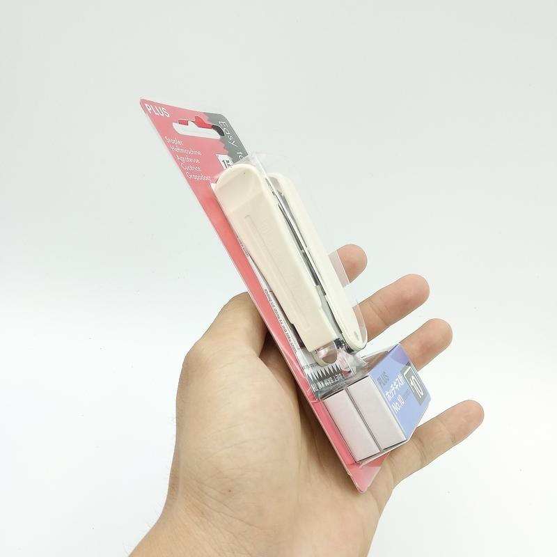 Bộ Bấm Kim Plus 30-016 TR OS 10E - Màu Trắng + 2 Hộp Kim No.10