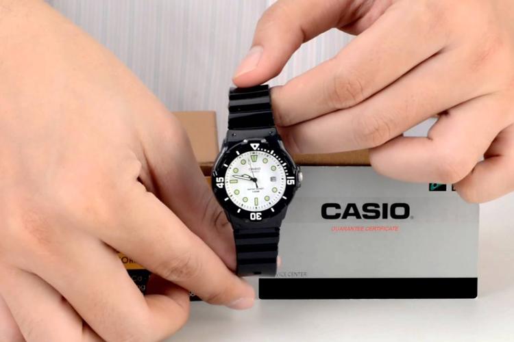 Đồng Hồ Nữ Dây Nhựa Casio LRW-200H-7E1VDF (34mm)