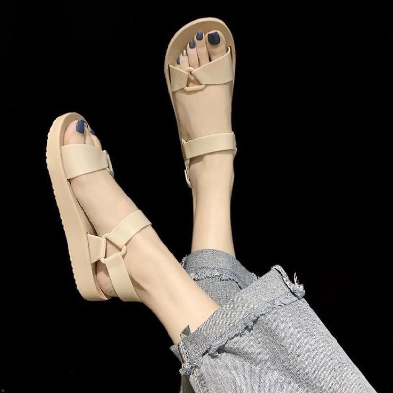 Dép quai hậu đi mưa, sandal học sinh