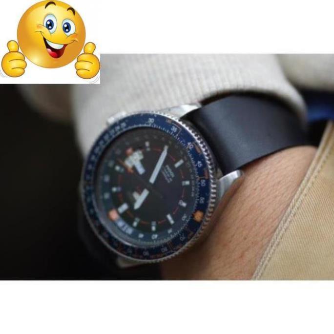 Cá tính với dây đồng hồ nato đen nhám (da bò thật) .