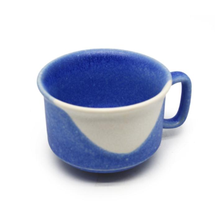 Cốc cafe trung xanh da trời và trắng