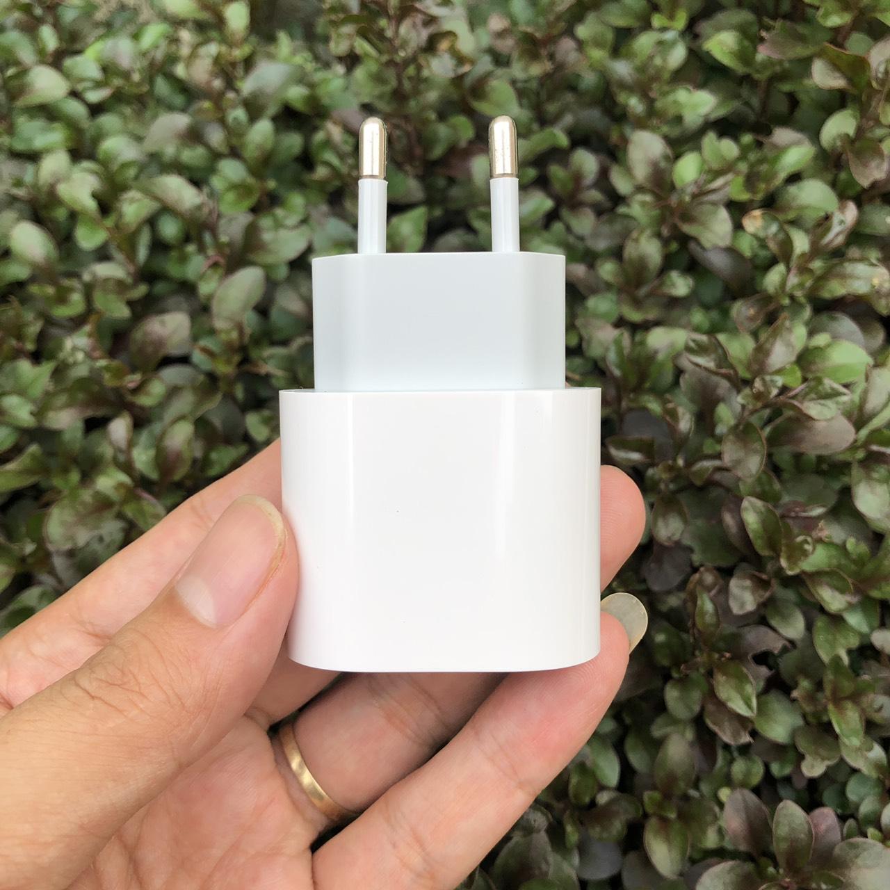Củ Sạc Nhanh 18W Dành Cho iPhone 12 - 12Max, iPhone 12Pro - 12Pro Max - Chân Tròn