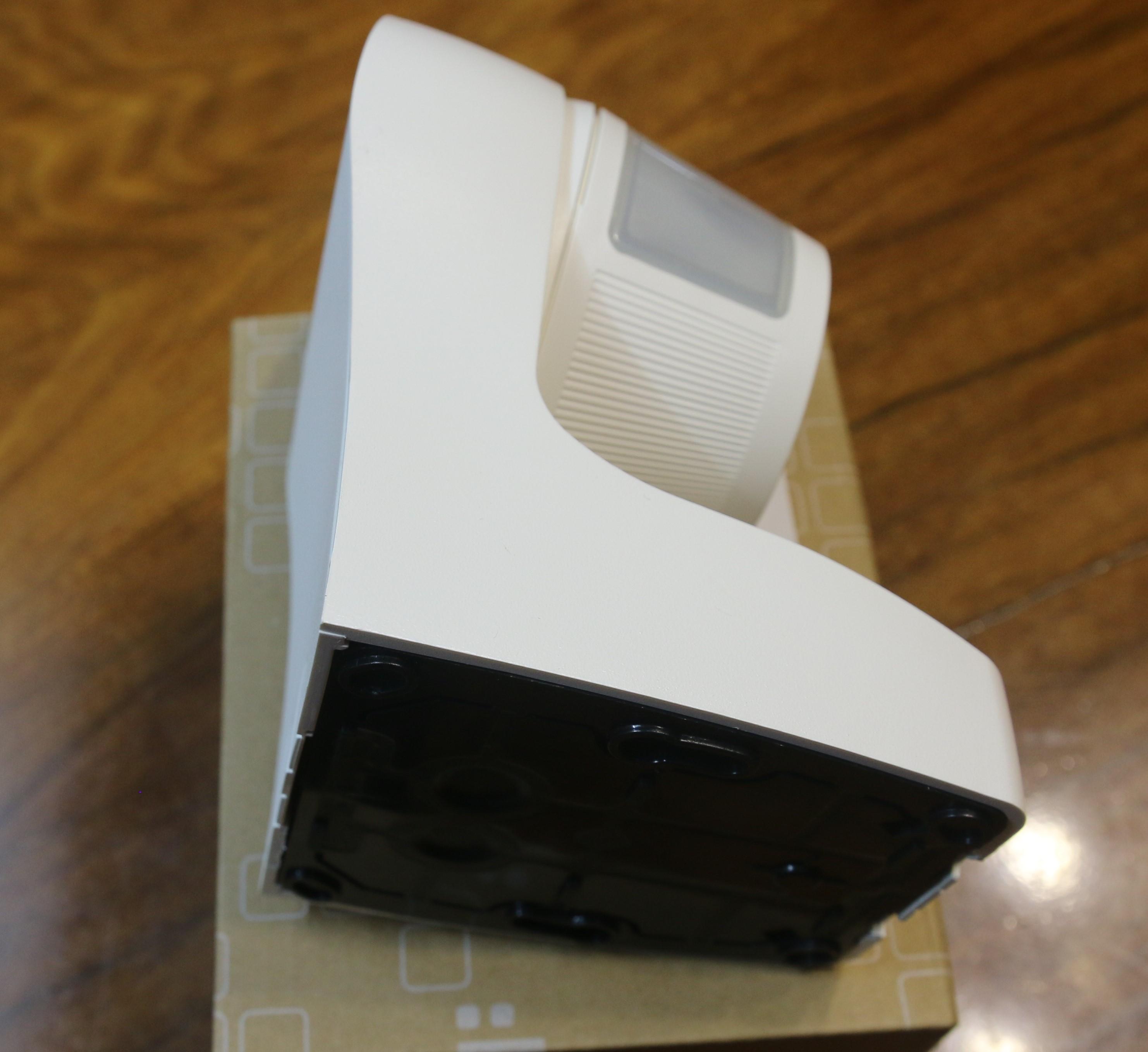 CẢM BIẾN CHUYỂN ĐỘNG GẮNG TƯỜNG EE830 - HAGER - PHÁP, Loại cảm biến dùng cho chiếu sáng tự động, báo động. Thiết kế nhỏ gọn phù hợp mọi không gian, tầm quét rộnh đảm bảo cho không gian sử dụng rộng