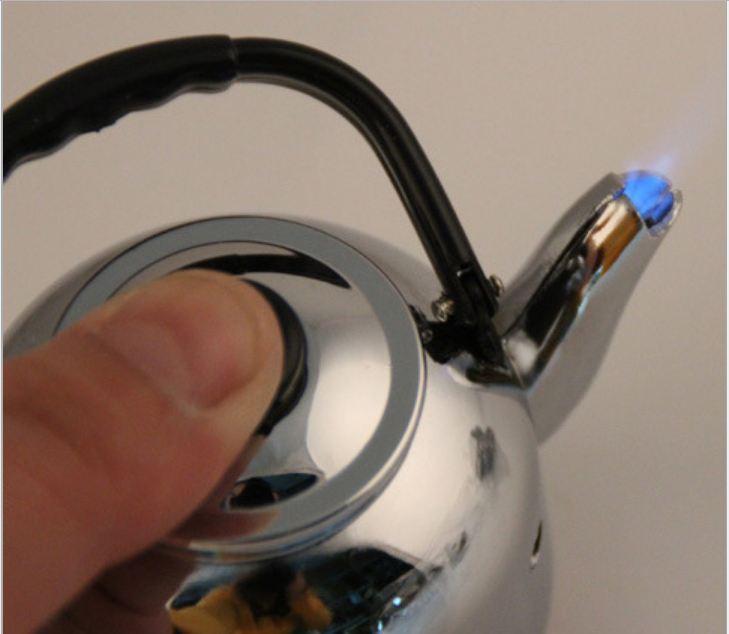 Bật lửa hộp quẹt gas khò tia lửa mạnh hình ấm nước độc đáo - US122