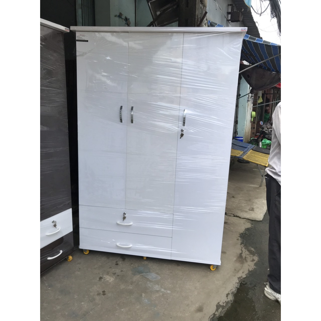 Tủ quần áo bằng nhựa đài loan 1m85 x1m25x48cm  - trắng