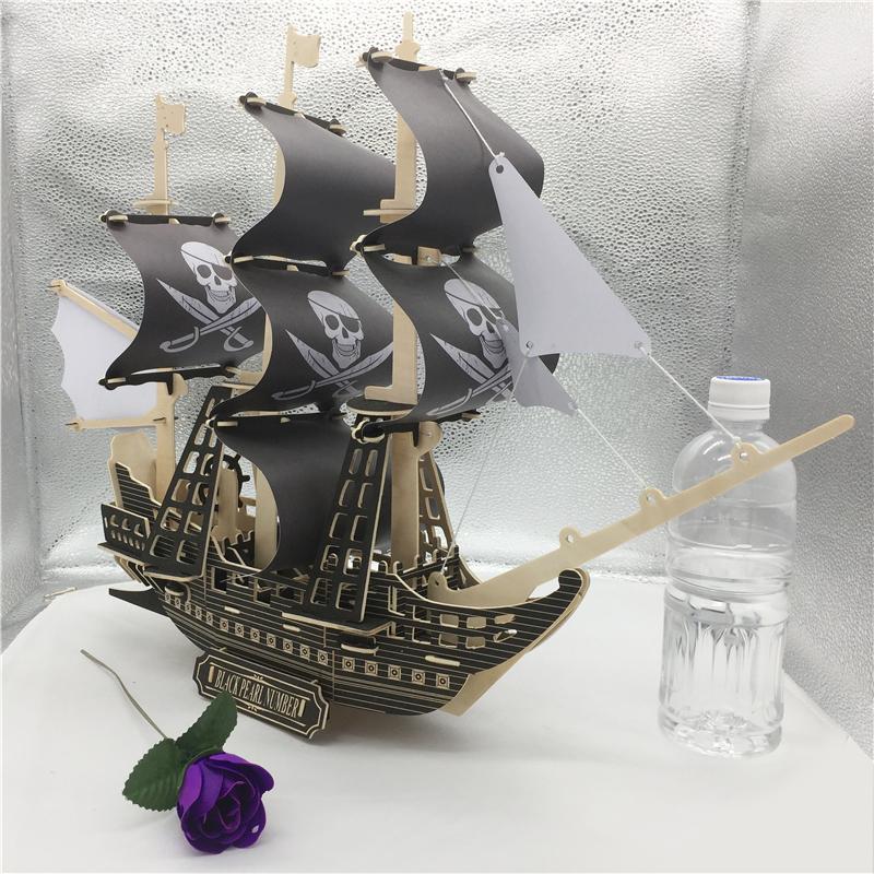 Đồ chơi lắp ráp gỗ 3D Thuyền cướp biển Revenge Queen Black