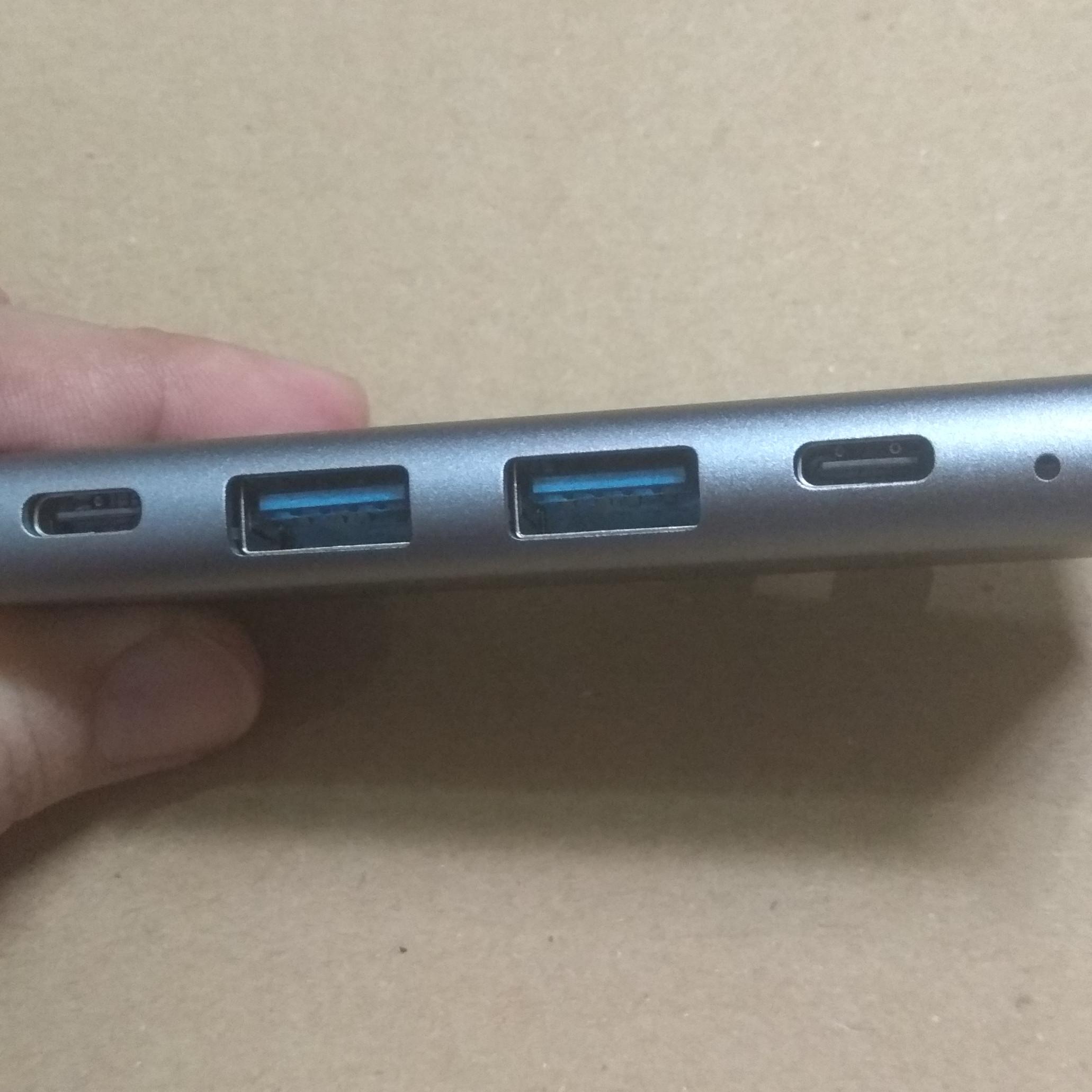 Cáp chuyển đổi Thunderbolt 3 cho Macbook  ra 5 cổng HDMI/ USB/ Type-C - TTH50560