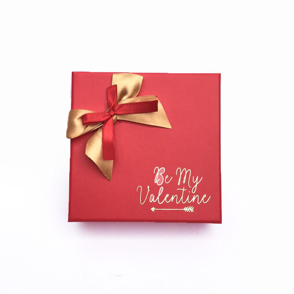 Hộp quà tặng đựng chocolate ngày Valentine kích thước 12x12x4cm