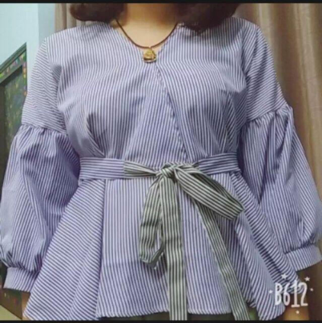 Áo kiểu cổ V tay phồng- 2 màu- 2size