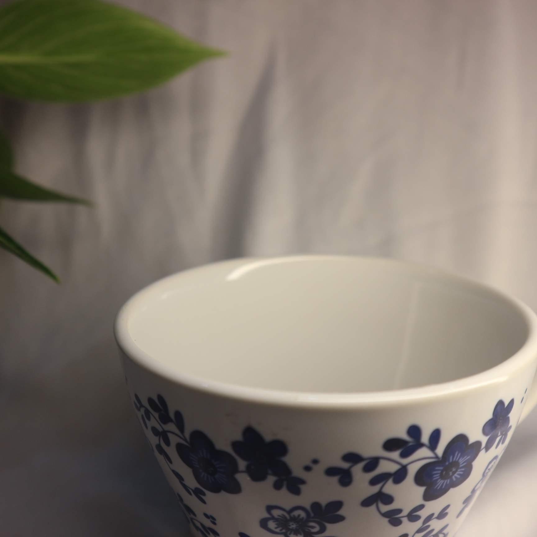 Ly Sứ Trắng Họa Tiết Hoa Xanh Vintage 450ml Sang Tọng - Cao Cấp- Cổ Điển