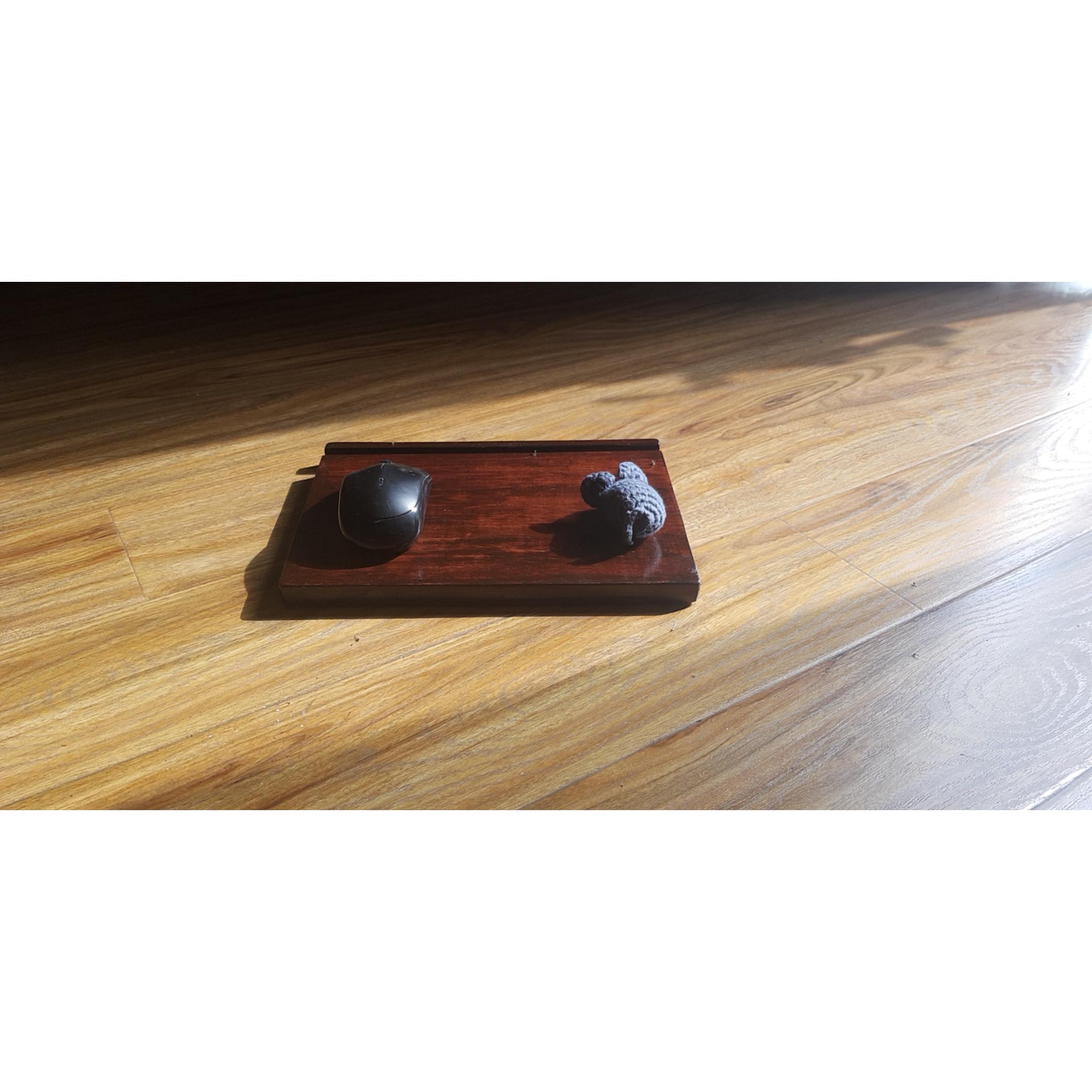 Lót chuột gỗ kết hợp đế ipad