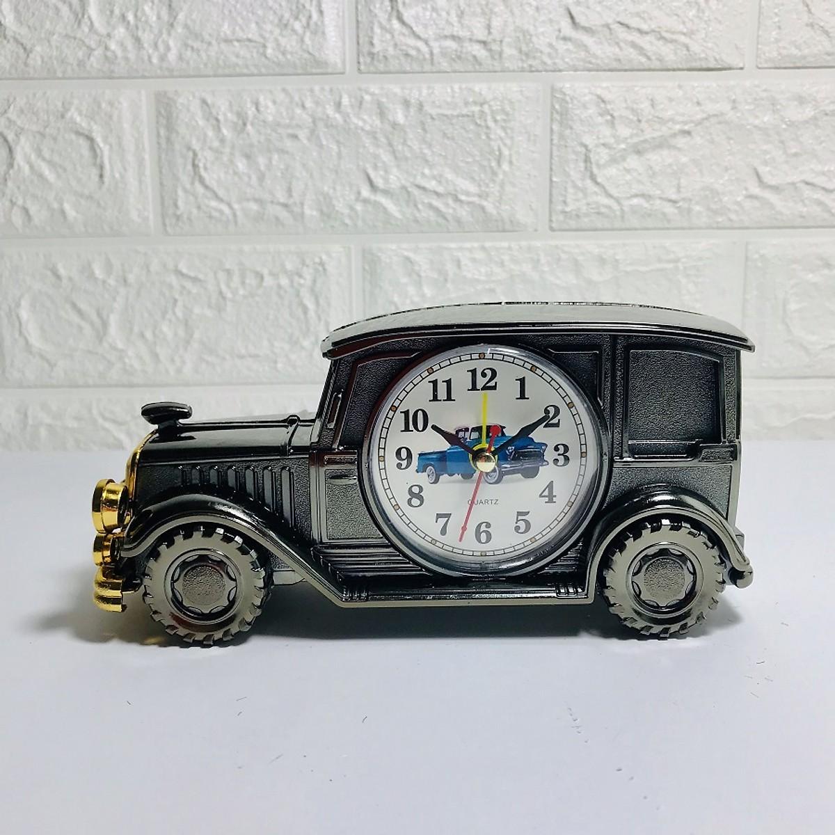 đồng hồ để bàn hình xe hơi cổ điển (màu ngẫu nhiên)