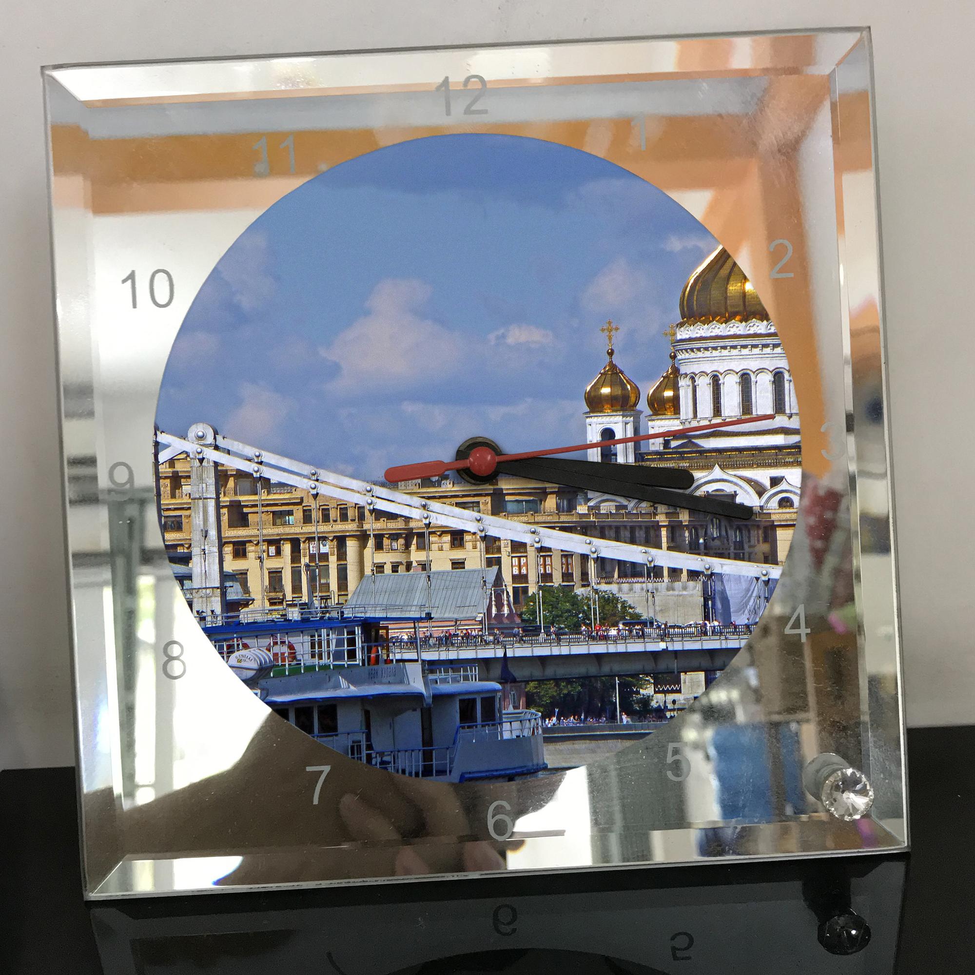 Đồng hồ thủy tinh vuông 20x20 in hình Cathedral Of Christ the saviour (50) . Đồng hồ thủy tinh để bàn trang trí đẹp chủ đề tôn giáo