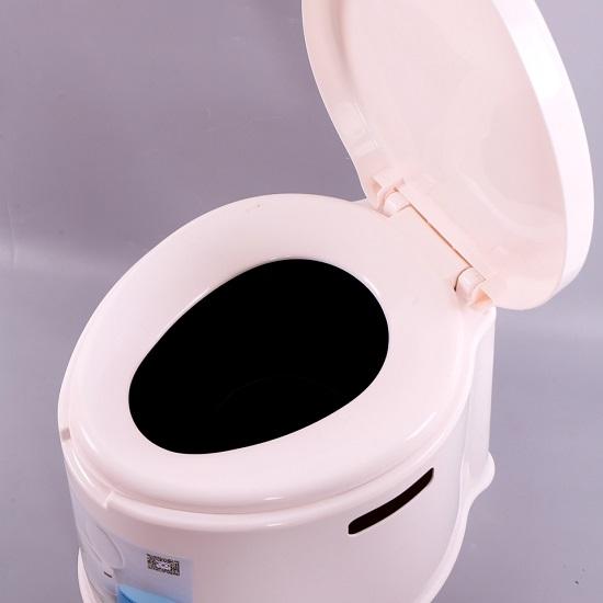 Bô vệ sinh di động cho người già, người ốm, người đi lại kém