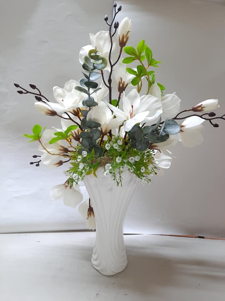 Lọ Hoa Mộc Lan trắng