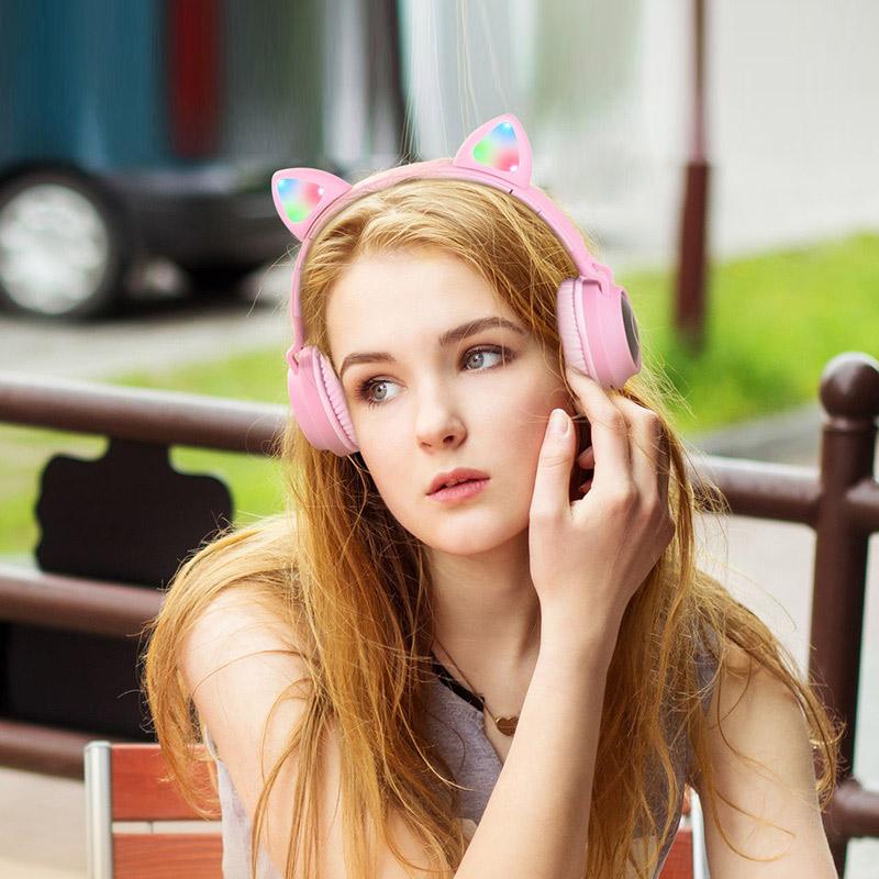 Tai Nghe Chụp Tai Kết Nối Bluetooth Tai Mèo Đáng Yêu (Màu Ngẫu Nhiên)- Hàng Chính Hãng
