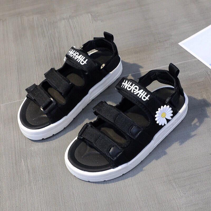 Sandal nữ 3 quai dán hoa cúc nổi đế bằng cao su mềm T283