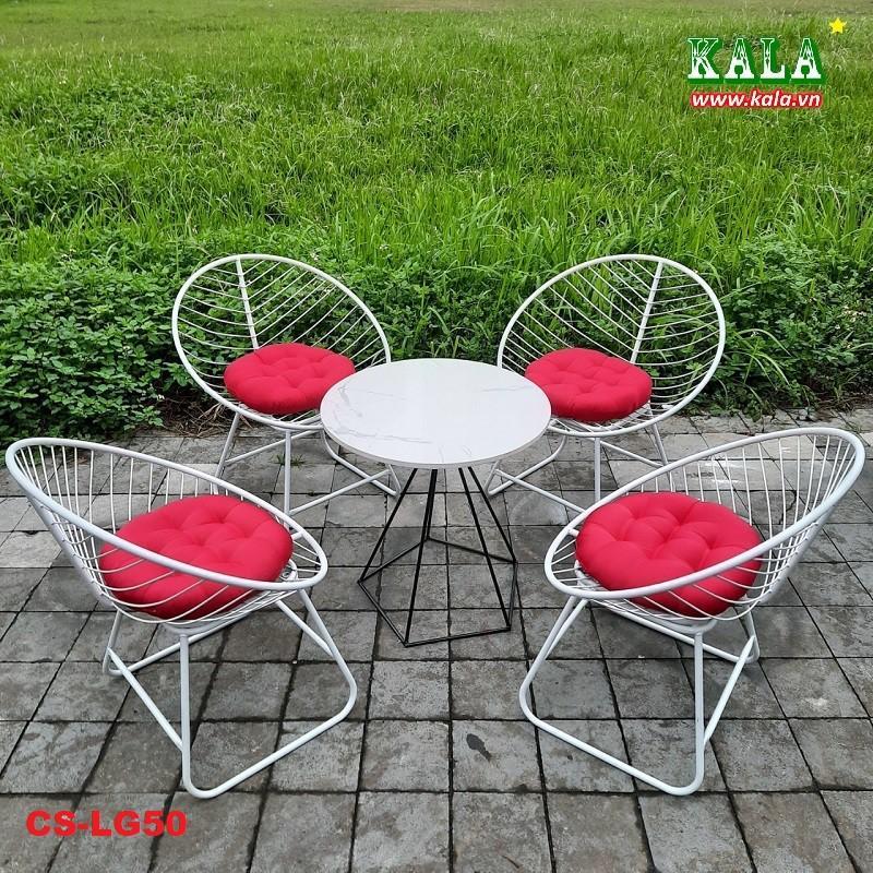 Bộ bàn ghế sân vườn đơn giản giá rẻ
