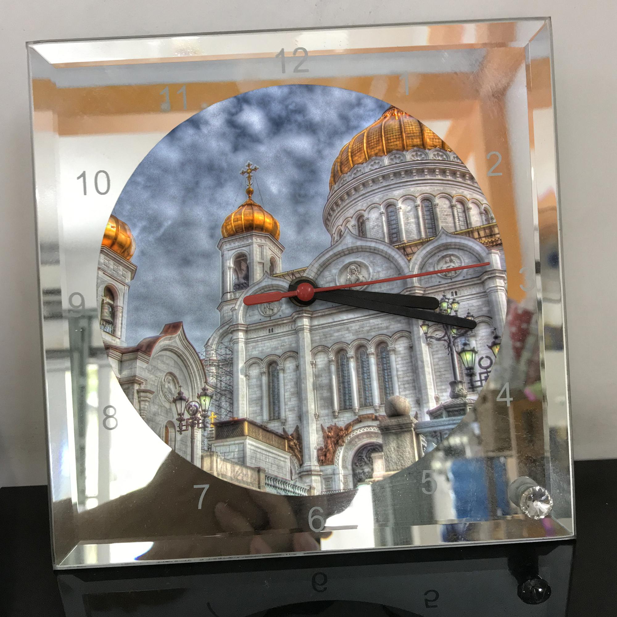 Đồng hồ thủy tinh vuông 20x20 in hình Cathedral Of Christ the saviour (45) . Đồng hồ thủy tinh để bàn trang trí đẹp chủ đề tôn giáo
