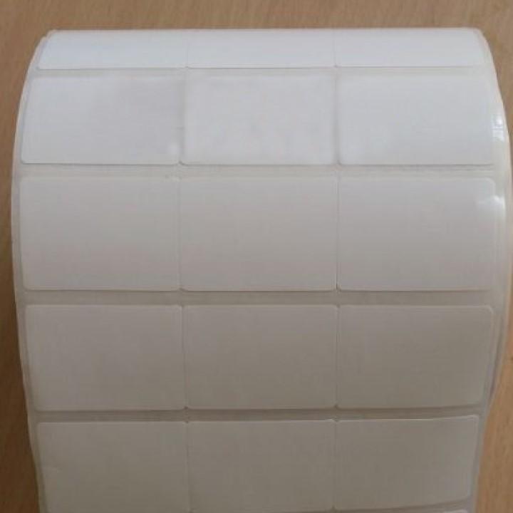 Giấy in mã vạch, decal 35x22 khổ 110mm cuộn 50m 3 tem 1 hàng cho máy in nhiệt