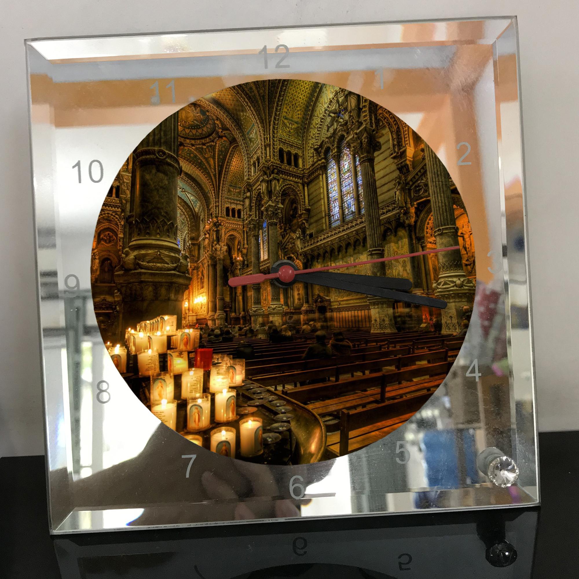 Đồng hồ thủy tinh vuông 20x20 in hình Cathedral - nhà thờ chính tòa (15) . Đồng hồ thủy tinh để bàn trang trí đẹp chủ đề tôn giáo