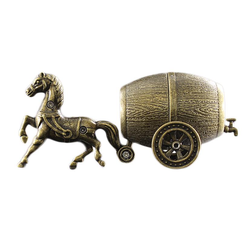 Hộp Qụet Bật Lửa Gas Đá 031 Họa Tiết Con Ngựa Kéo Xe Thùng Nước Đẹp Độc Lạ - Dùng Gas Đá Cao Cấp