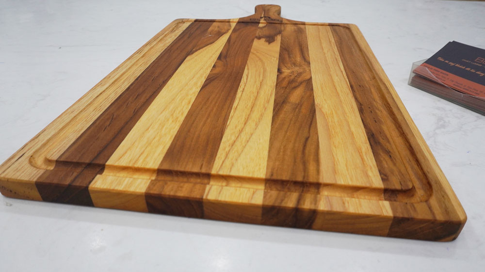 Thớt Gỗ Teak BUZEN Cao Cấp - Thớt gỗ Trang Trí Decor Mẫu Chữ Nhật Cán Cầm Dài 45x25x1.5cm