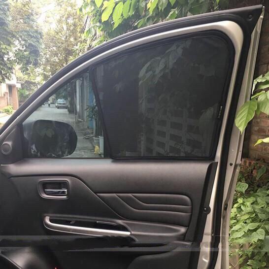 Rèm che nắng hít nam châm dành cho xe Mitsubishi (Loại 1)