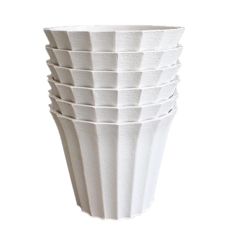 Bộ 6 chậu khía nhựa màu trắng size 18x15x12cm