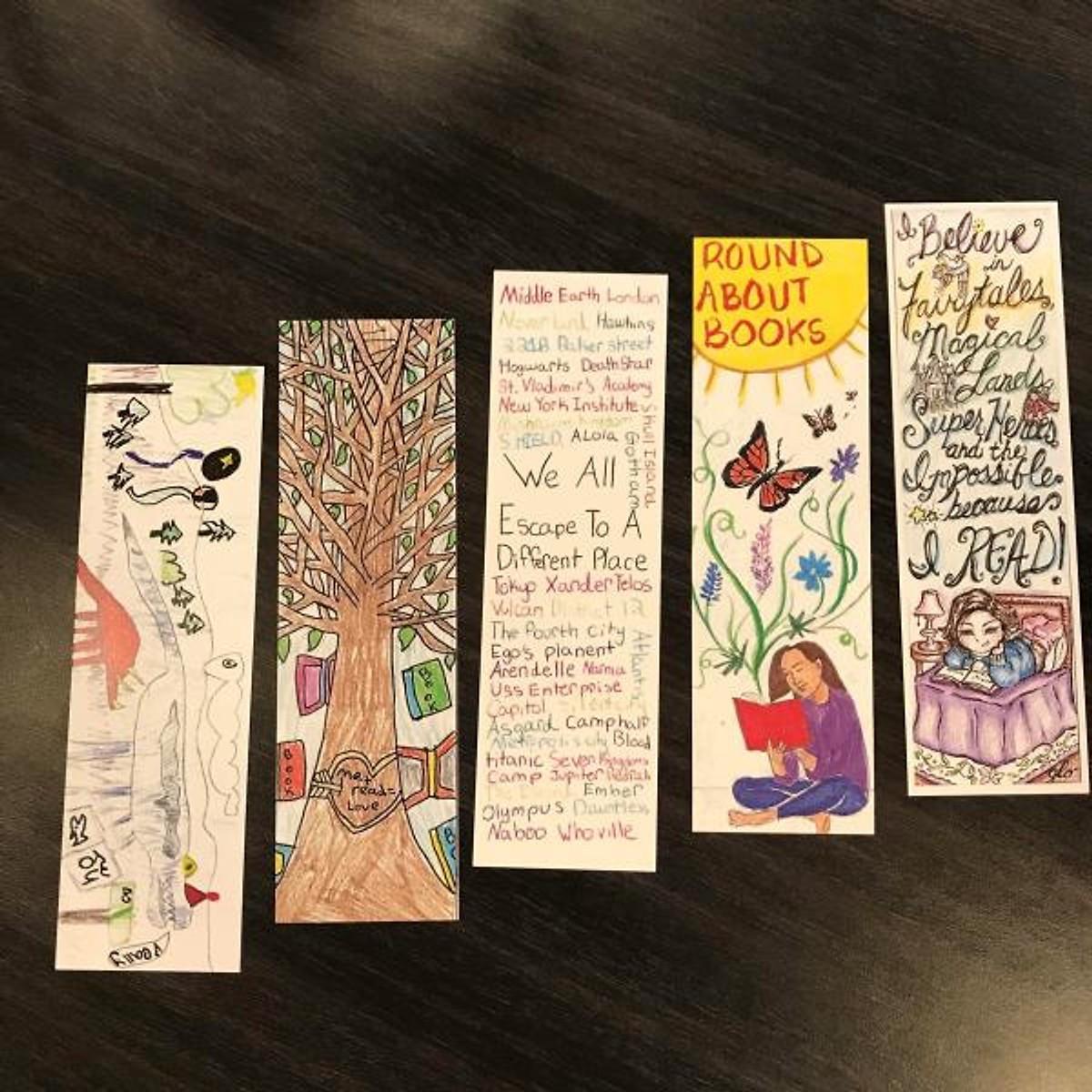 Combo Truyện Kinh Dị 2019: Bạch Dạ Hành + GOTH - Những Kẻ Hắc Ám (2 cuốn/ Tặng kèm Bookmark Happy Liffe)