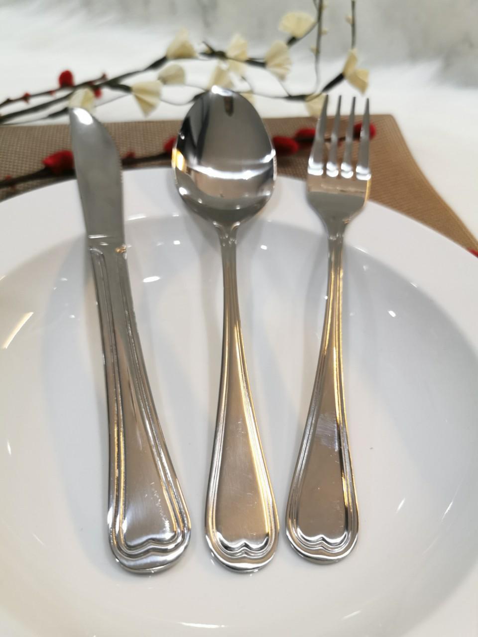 Bộ dao muỗng nĩa ăn inox 304 hình Tim.