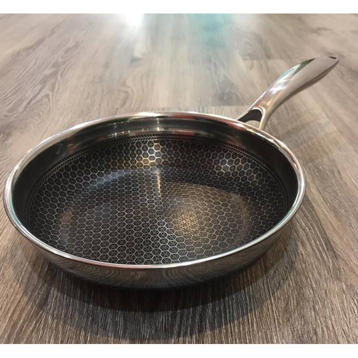 Chảo chiên Inox bếp từ công nghệ khoan khắc chống dính Hàn quốc chịu cào xước bởi dụng cụ nấu ăn kim loại