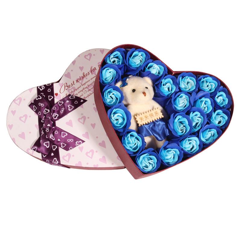 Hộp quà hình trái tim hoa hồng và gấu bông màu đỏ