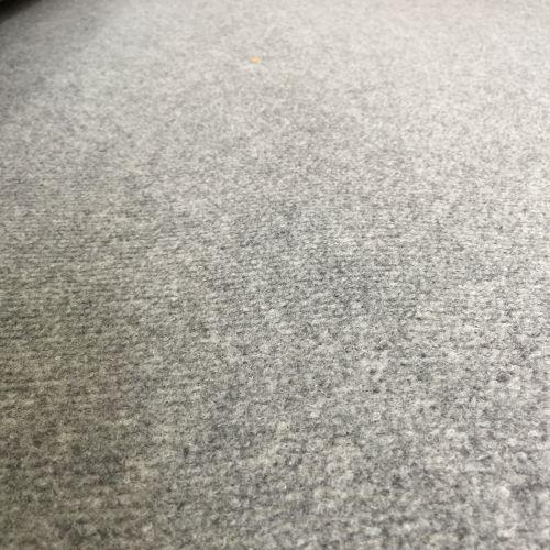 Thảm nỉ trải sàn màu xám