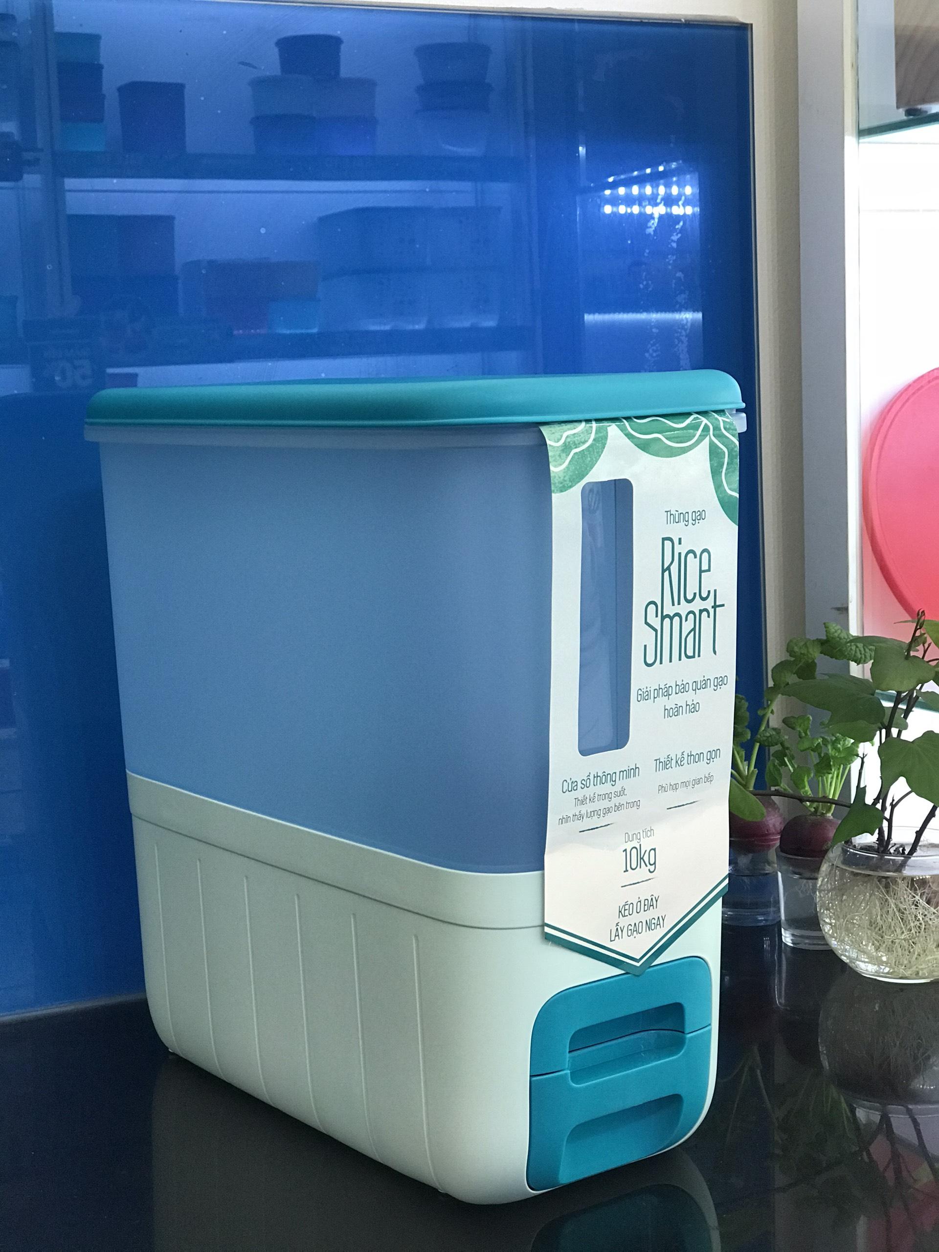 Thùng gạo Tupperware Rice Smart Aqua tặng 2 hộp khô