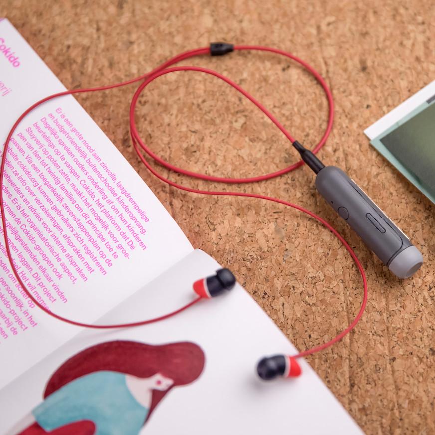 Thiết Bị Chuyển Đổi Âm Thanh Có Dây Thành Không Dây Allocacoc BluetoothClip ( Kèm tai nghe) - Hàng Chính Hãng