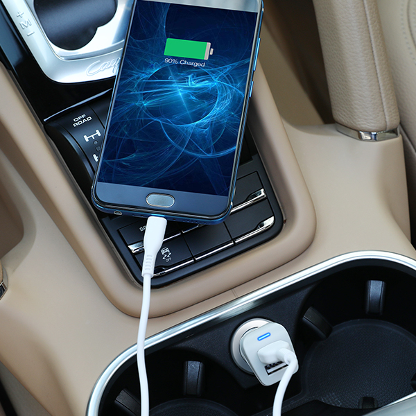 Kèm Video | Tẩu sạc ô tô - xe hơi 2 cổng USB Robot mạch PCBA | Cho thiết bị di động/điện thoại iOS/Apple (iPhone/iPad), Android (Samsung, Xiaomi, Oppo, Huawei, vv) | Màu Trắng - RT-C06 - Hàng Chính Hãng