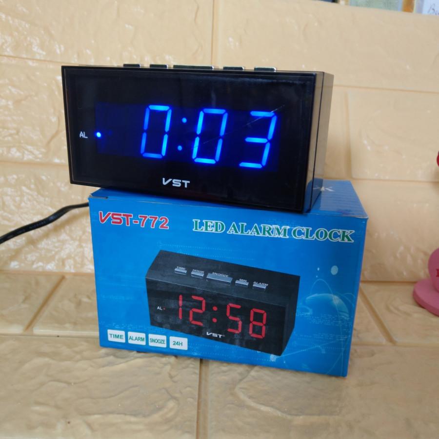 Đồng hồ để bàn Led có báo thức